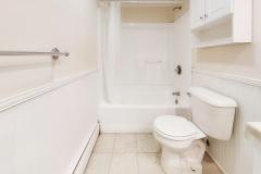 vyGer5qwq9v - Bathroom